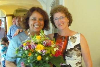 Übergabe Präsidentschaft Biennium 2012-2014 Nuschin Botskor an Präsidentin Petra Kraut